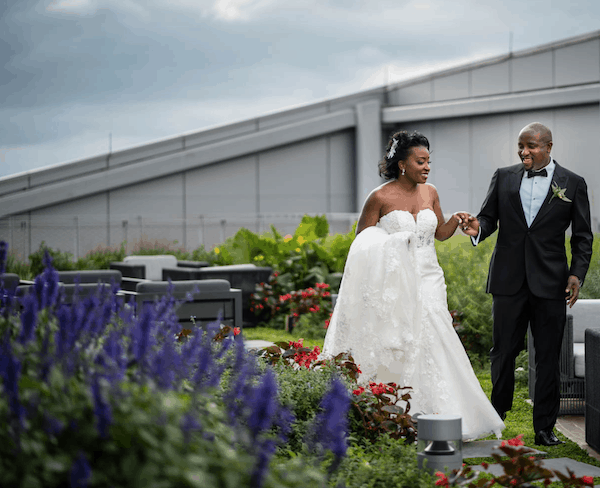 Philadelphia wedding - bride and groom. - bride and groom in roof top garden
